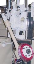 Schwenkvorrichtung-mit-Schleifscheibe-montiert